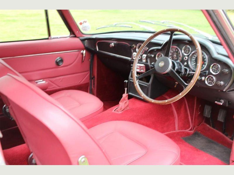 Innenraum Ledersitze Aston Martin DB6 1966 rot