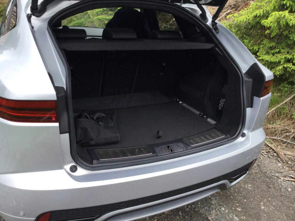 Kofferraum des Jaguar 300